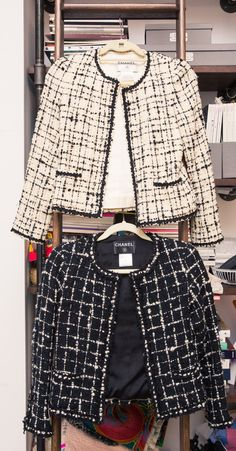 Zoe Buckman's Closet Is Every Bit as Powerful as Her Artwork Inside Artist and Photographer Zoe Buckman's Closet and Home: Chanel Tweed Jacket, Chanel Style Jacket, Chanel Coat, Boucle Jacket, Chanel Chanel, Chanel Fashion Show, Big Fashion, Womens Fashion, Luxury Fashion
