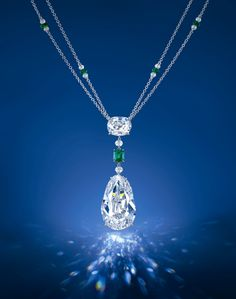 fails to sell at Christie's Hong Kong May 2014 Spring auction. the pear-shape is 40.05cts, while the cushion shape is 6.76ct. The diamond pendant was estimated to sell around US$ 8.5-10m but fails to find a buyer.