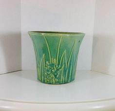 """ANTIQUE MCCOY GREEN PLANTER WITH FLOWERS 7 1/2"""""""