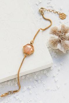 Gala Bracelet Hexagon| Santorini Sunset Collection Handmade Beaded Jewelry, Dainty Jewelry, Luxury Jewelry, Photo Jewelry, Fashion Jewelry, Bohemian Bracelets, Jewelry Photography, Jewelry Design, Gemstones