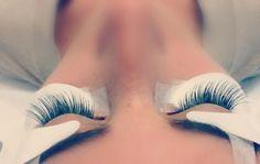 5 tendances maquillage à adopter pour le temps des Fêtes - Extension de cils #misencil #regarddestar www.misencil.com Surmon36.ca - Readership/ Lectorat: 75,000