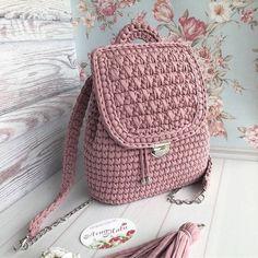 Crochet backpack pattern inspiration / crochet bag from t-shir yarn - Salvabrani - Knitting Crochet ideas Häkeln Sie Rucksackmuster Inspiration / Häkeltasche aus T-Shir-Garn - Salvabrani , Knitting Patterns Bag I share the process, so to speak) Shopper Crochet Beach Bags, Free Crochet Bag, Crochet Shell Stitch, Crochet Gifts, Crochet Bags, Crochet Backpack Pattern, Crochet Purse Patterns, Bag Pattern Free, Crochet Handbags