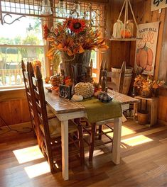 Fall Home Decor, Autumn Home, Home Decor Kitchen, Kitchen Dining, Harvest Decorations, Table Decorations, Country Decor, Farmhouse Decor, Shabby Chic Fall