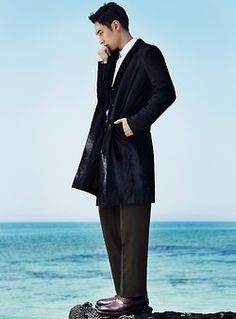 Lee Je Hoon for High Cut Magazine Lee Je Hoon, High Cut, Korean, Normcore, Magazine, Style, Fashion, Swag, Moda