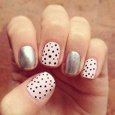 Having short nails is extremely practical. The problem is so many nail art and manicure designs that you'll find online Cross Nail Art, Cross Nails, Diy Nails, Cute Nails, Pretty Nails, Glitter Nails, Pointed Nails, Nails 2017, Polka Dot Nails