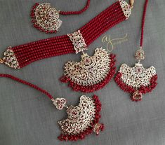 Showcasing the best of Indian jewelry designs. Antique Jewellery Designs, Fancy Jewellery, Bridal Jewellery, Bridal Jewelry Sets, Indian Jewelry Sets, Indian Wedding Jewelry, Indian Bridal, Pakistani Jewelry, Pakistani Bridal