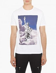 Neil Barrett White Statue of Liberty Printed T-Shirt The Neil Barrett Statue of Liberty Printed T-Shirt for AW16, seen here in white. - - This t-shirt from Neil Barrett is crafted in Italy from premium cotton and cut to offer a slim fit. It is finished  http://www.MightGet.com/january-2017-13/neil-barrett-white-statue-of-liberty-printed-t-shirt.asp