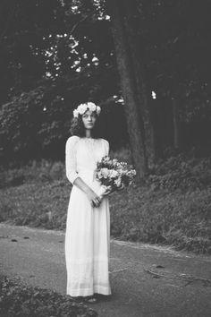 An Utterly Unique Boho Farm Wedding Modest Wedding, Boho Wedding, Dream Wedding, Wedding Dresses, Wedding Vintage, Farm Wedding, Wedding Bells, Wedding Styles, Wedding Photos