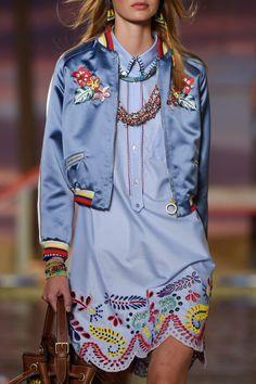 improbabilefashionista:    Tommy Hilfiger Ready To Wear Spring Summer 2016 New York   (Details)