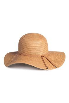 Chapeau de paille façon capeline H&M - 25 chapeaux de paille qui nous font de l'œil - Elle