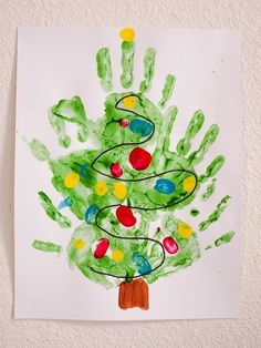 Best DIY Winter Art Projects for Kindergarten that Kids will Love Picture 23 Preschool Christmas Crafts, Christmas Art Projects, Winter Art Projects, Daycare Crafts, Xmas Crafts, Christmas Diy, Christmas Trees, Christmas Tree Hand Print, Fish Crafts