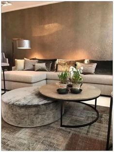 60 cozy small living room decor ideas for your apartment 11 « Home Decoration Home Living Room, Apartment Living, Interior Design Living Room, Living Room Designs, Table For Living Room, Ideas For Living Room, Living Room Decor Elegant, Living Room Cushions, Small Living Rooms