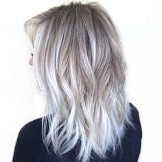 New Best Hairstyle Icy Platinum Hair Color Ideas - New Be .- Neue Besten Frisur Eisigen Platin Haar Farbe Ideen – Neue Besten Frisur New Best Hairstyle Icy Platinum Hair Color Ideas – New Best Hairstyle - Hair Blond, Winter Blonde Hair, Ash Blonde Hair Silver, Icy Blonde, Platinum Blonde Ombre, White Ombre Hair, Blonde Color, Ash Blonde Balayage Short, Silver Platinum Hair