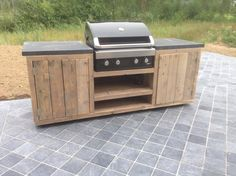 garden kitchen # Even though historic inside strategy, this pergola has become enduring somewhat Outdoor Grill Area, Outdoor Grill Station, Outdoor Kitchen Plans, Patio Grill, Diy Grill, Outdoor Kitchen Design, Design Your Dream House, Deck With Pergola, Gazebo
