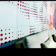 Você já conhece a Linha Dot? São revestimentos cimentícios da Castelatto que brinca com cor e forma. Trata-se de um revestimento com peças de 50 x 50 cm com recortes redondos em diversos tamanhos onde você vê o fundo colorido nas cores marsala (a cor do ano segundo a Pantone) ou chumbo respectivamente contrastando com um tom de cinza e um branco na placa superior. Um produto inovador e diferente para deixar fluir a criatividade. #ulishop #castelatto #arquiteto #arquitetura #architect…