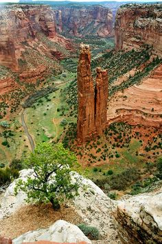 Spider Rock in Canyon de Chelley - Arizona