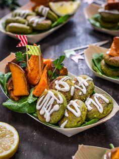 FALAFEL PARTY - easy #vegan #glutenfree not-fried #falafel with tahini sauce and rosemary baked sweet potatoes recipe -falafel non fritti facilissimi cotti in padella con salsa tahina allo yogurt e patate dolci al forno