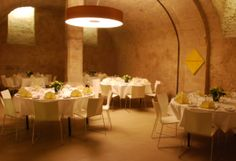 Genießen geht überall - mit dem Öschberghof. Wir kommen auch gerne zu Ihnen nach Hause. Egal, ob Sie kulinarische Unterstützung für Ihre Firmen- und Vereinsfeiern oder für Ihre privaten und ganz persönlichen Ereignisse wie zum Beispiel einen Geburtstag oder eine Hochzeit suchen. www.oeschberghof.com