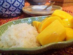 在泰国学厨 | 史上最正宗的泰式芒果糯米饭(没有之一)的详细做法,步骤,配料,图片和视频。本菜谱通过图文并茂的方式教您怎么做好吃的在泰国学厨 | 史上最正宗的泰式芒果糯米饭(没有之一)。圣诞节和新年假期飞往了泰国度假,顺便在曼谷一家Cooking school学习了几道地道的泰国菜,芒果糯米饭作为到了泰国一定要尝试的一道甜品,也是众多人的心头好,如何做出地道泰式风味的椰汁芒果糯米饭,这次用了大量多图,同时也跟大家分享下课堂上面老师提到的注意点,总之我最后做出来的味道个人觉得比泰国街边大排档的还要好吃:)