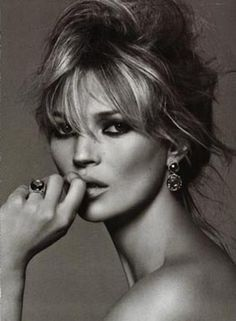 kate moss, perfect black smudgy makeup and bedhead