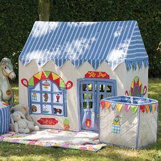 Spielhaus Toy Shop klein von Win Green, 236,00 €