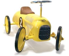 Coche clasico para niños http://www.mamidecora.com/juguetes.%20coches.%20vilac.htm