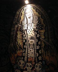 #fridaynight #art #santamuerte #beer #birra #bier #cerveza #bar #maldeamores #lima #peru #barranco #travel #traveler #traveling http://tipsrazzi.com/ipost/1518650100528149785/?code=BUTVDhkF3UZ
