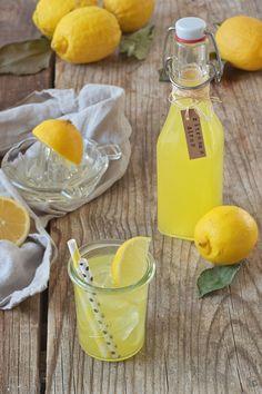 Selbst gemachter Zitronensirup nach einem Rezept von Sweets & Lifestyle®