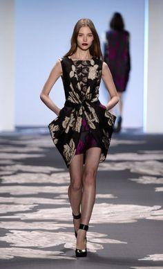 Mercedes-Benz Fashion Week : Vera Wang Fall 2013