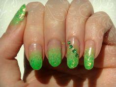 Ida-Marian kynnet / Light green gradient / #Nails #Nailart