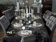 This New Year's Eve table setting will set the mood for a celebratory night.