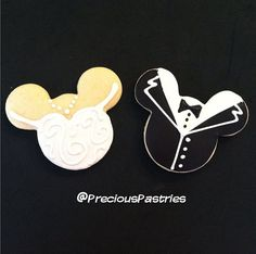 I want these adorable Mickey and Minnie cookies for my wedding
