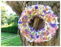 """Couronne Florale """"Tendresse"""". Creation unique : Accessoires de maison par perles-et-couronnes"""
