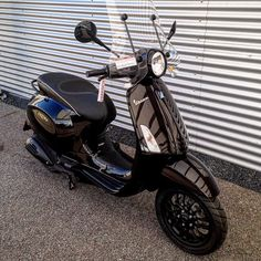 Just delivered this awesome Vespa Primavera blackout special #vespa#primavera#blackout#allblack#black#zwart#streetstyle#special#custom#customized#mattblack#glossy#sprint#wheels#exclusive#badboy#delivered#busy#follow#us#vespadealer#vespamania#collections#coating#powdercoat#windscherm#