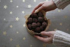 Rýchla maková bublanina bez múky vylepšená ríbezľami - Zdravé pečenie Agar, Ricotta, Cookies, Chocolate, Desserts, Food, Crack Crackers, Tailgate Desserts, Deserts