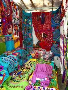 Mexican Textiles, Arabian Horses, Beautiful Hands, Apples, Vibrant Colors, Hot, Pattern, Handmade, Painting