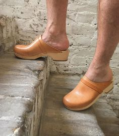 Clogs, Beautiful Legs, Hot Guys, Photo And Video, Instagram, Stuff To Buy, Men, Videos, Photos