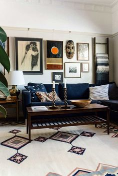 Rooms home decor - Masculine living rooms to pin right now! – Rooms home decor Rooms Home Decor, Home Living Room, Cheap Home Decor, Living Room Designs, Living Room Decor, Living Spaces, 1920s Home Decor, Dining Room, Dark Wood Furniture Living Room