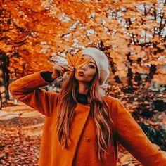 girl, autumn, and fall Bild Five Minute Hairstyles, Chic Hairstyles, Braided Hairstyles, Autumn Scenery, Autumn Theme, Autumn Photography, Photography Poses, Creative Photography, Fall Inspiration