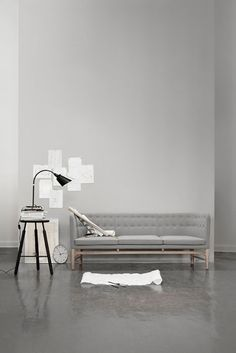 Rest | A modern sofa with a focus on liveability. Arne Jacobsens Mayor sofa for andtradition.
