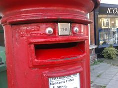 Happiest post box in existence - http://www.theladbible.com/albums/evening-ladness-502/image/e13939d3-976e-11e4-a47a-d4ae52c74096