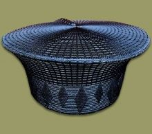 Zulu Hats available in a wide range of colors and styles. Hand made in South Africa African Hats, African Fashion, Zulu Women, Ethnic Decor, Hats For Women, South Africa, Basket, Seafood Recipes, Handmade