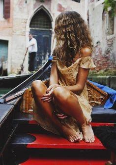 @herhappyhabits boho fashion style hippie gypsy yellow dress curly hair photography lookbook tan