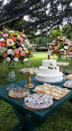 Dessert Presentation, Party Themes, Party Ideas, Party Platters, Outdoor Parties, Party Desserts, Charcuterie, Rustic Chic, High Tea