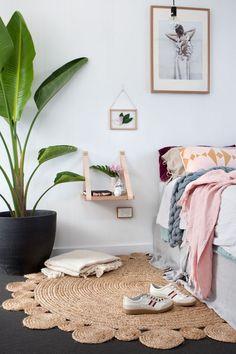 Best Bedroom Colors Schemes – My Life Spot Best Bedroom Colors, Bedroom Color Schemes, Bedroom Styles, Master Bedroom Design, Home Bedroom, Bedroom Decor, Bedrooms, Leather Strap Shelves, Home Interior Design