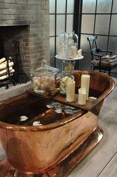 Best bath tub in bedroom heavens Ideas Copper Tub, Copper Bathroom, Bathroom Green, Boho Bathroom, Downstairs Bathroom, Small Bathroom, Decoration Inspiration, Bathroom Inspiration, Decor Ideas