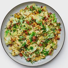 Kielbasa And Cabbage, Cabbage Stir Fry, Cooked Cabbage, Braised Cabbage, Dill Recipes, Stir Fry Recipes, Cooking Recipes, Cabbage Recipes, Meat Recipes