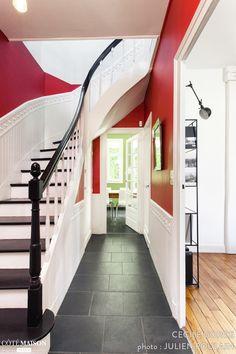 Rénovation complète d'une maison, Tours, Cécile Gorce - architecte d'intérieur Parisian Decor, Sweet Home, Stairs, Exterior, Home Decor, Hallway Ideas, Staircases, Hallways, Red