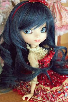 "Kirby - Pullip Lala, by ""Kim-kun"" on Flickr.... luv her hair"