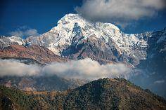 Un mundo por descubrir: Clouds over the mountain, Annapurna, Nepal.